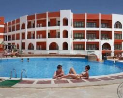 sunny_days_mirette_hotel_3.jpg